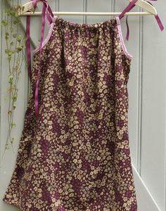 Tissu fleuri prune délicate (x10cm)