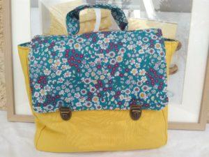 Kit à coudre cartable jaune et turquoise