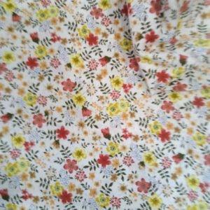 Tissu coton Un Champs de Fleurs