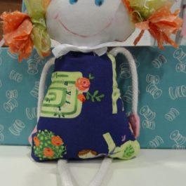 Mademoiselle Little Sophie, une drôle de petite poupée en tissu!