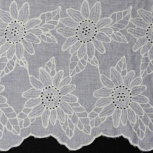 Tissu coton bordure brodée Laize 136cm