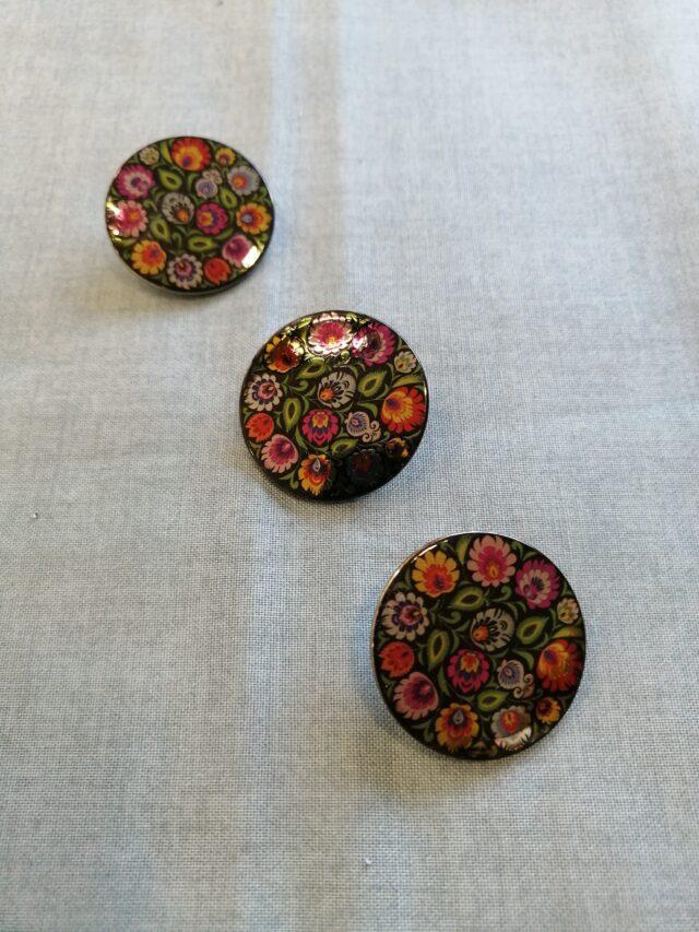 Boutons métal peint 30mm à la Boutik Creative de Rives