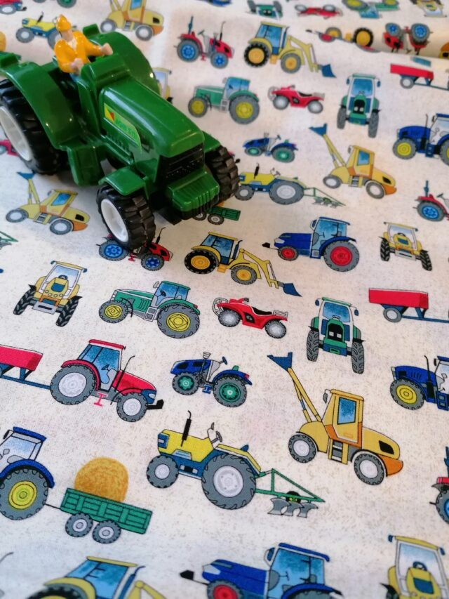 Tissu coton Tractors Makower Village Life Collection 3