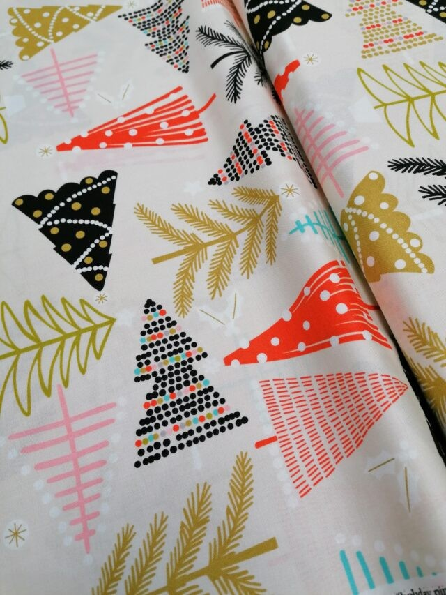 Tissu Coton Holiday Pines by Alexander Henry Fabrics