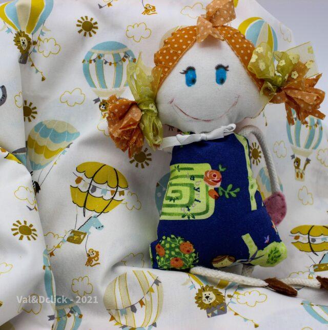 Tissu coton enfant les mongolfières et la poupée Sophie à la Boutik Créative de Rives