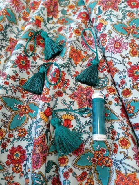 Tissu coton Daswhwwod Ace Lawn Mint fil Froufrou et pompons à la Boutik Créative de Rives